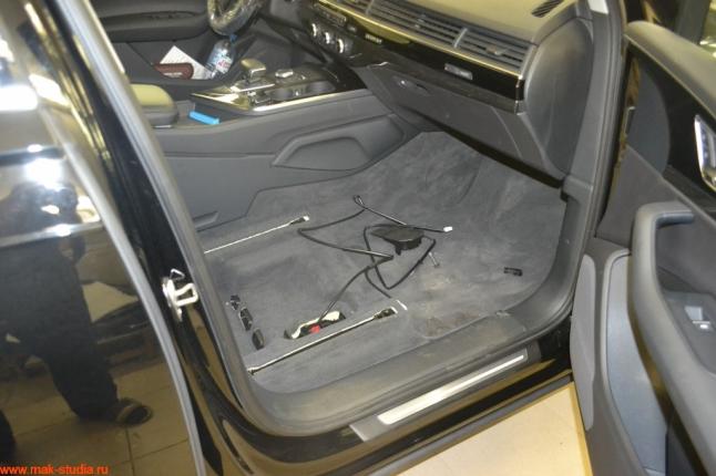 Демонтируем сиденья с автомобиля