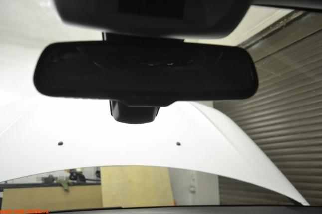 Устанавливаем видеорегистратор в виде зеркала