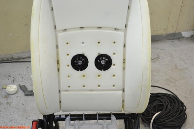 в зависимости от конструкции сиденья вентиляторы располагаем в нужных местах