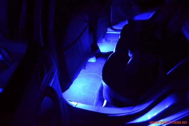 Подсветка в ногах