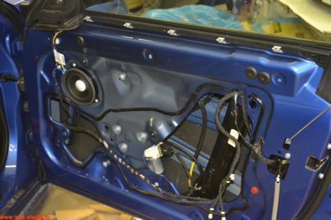 второй слой-тепло-шумоизолятор start-i4