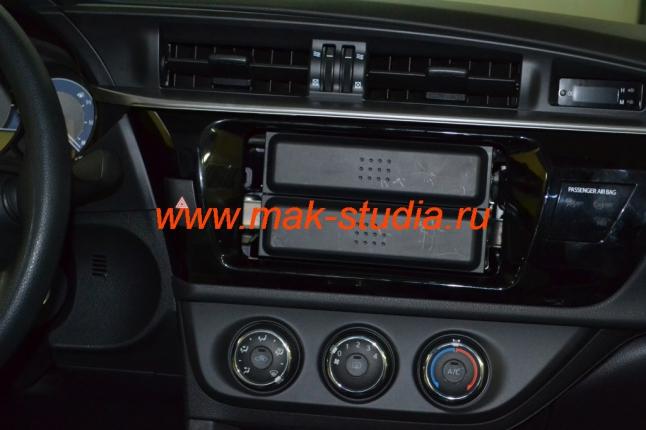 Установка головного устройства на Toyota