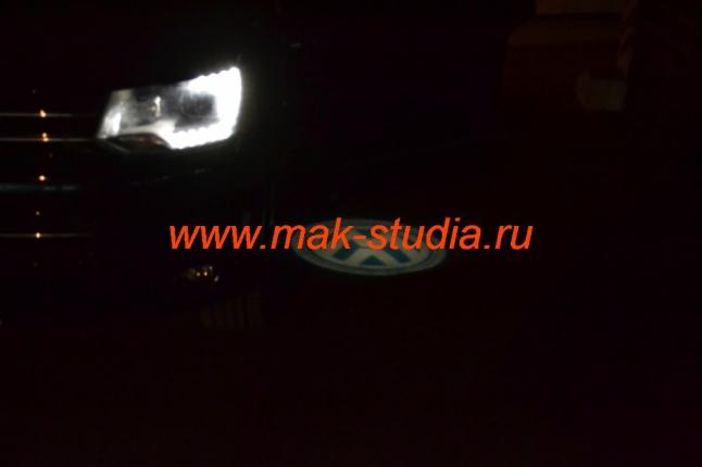 Лазерная проекция логотипа Фольксваген
