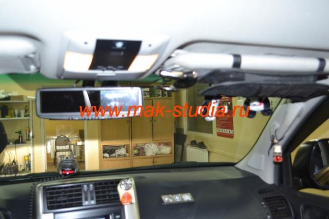 Видеорегистратор в виде зеркала -с места водителя ничто не мешает обзору и не привлекает посторонних взглядов