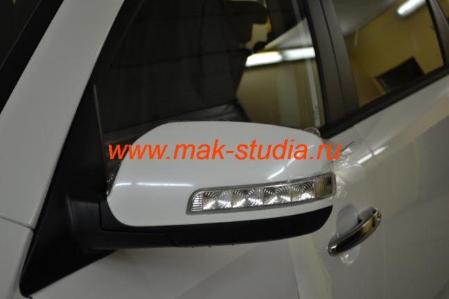 Антигравийная плёнка на авто - защита зеркал