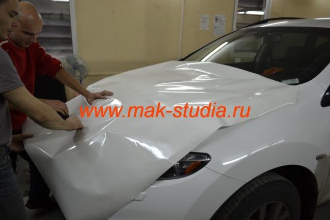 Антигравийная плёнка на авто - защита капота