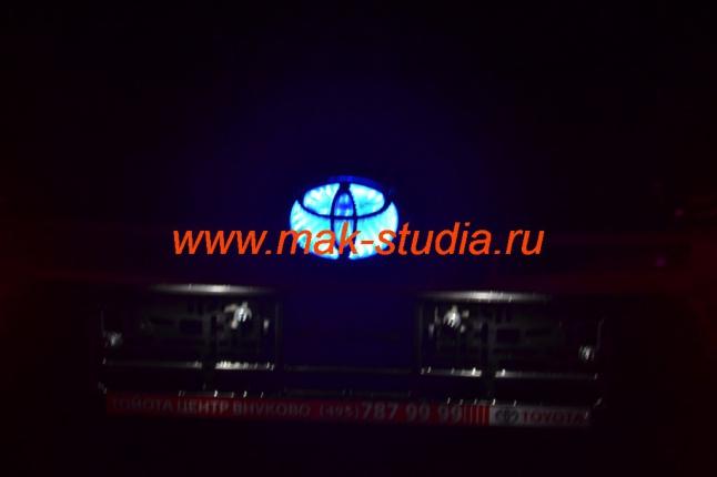 Подсветка эмблемы авто.