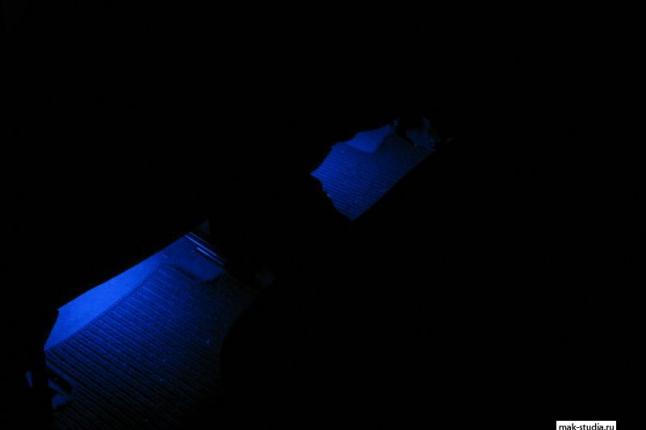 Подсветка салона для задних пассажиров.