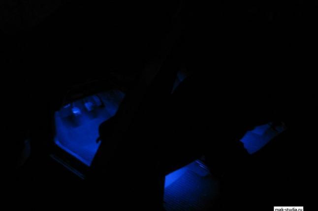 Подсветку в салоне оценят и пассажиры и прохожие.