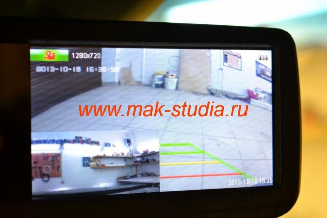 Видеорегистратор в зеркале заднего вида -режим одновременного наблюдения (картинка в картинке).