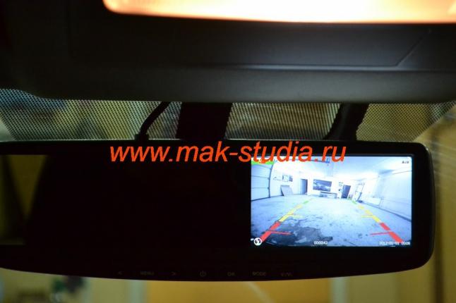 Видеорегистратор в зеркале заднего вида-режим парковки.