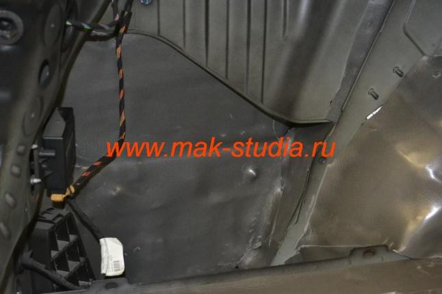 Крылья багажника - 100% проклейка шумоизоляцией