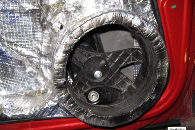 Шумоизоляция автомобиля фольксваген поло - ещё слой вибропласта