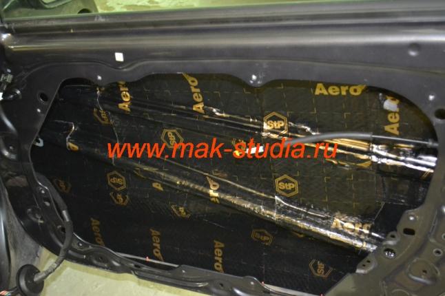 Шумоизоляция дверей автомобиля - первый слой вибропласт AERO