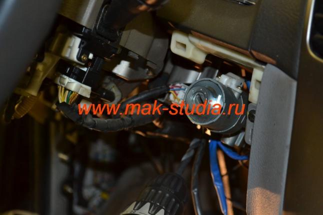 Установка кнопки старт-стоп - демонтаж штатного замка зажигания