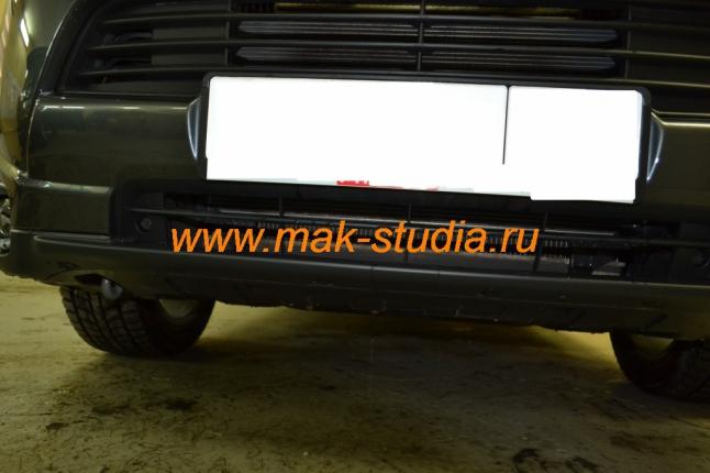 Защитная сетка радиатора - большие отверстия в бампере ничем не защищены