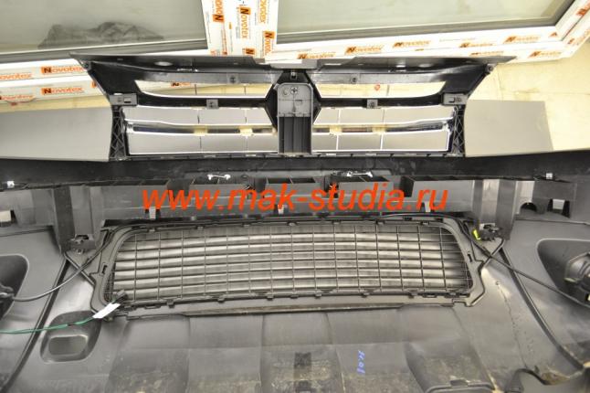 Защитная сетка радиатора - бампер снят и готов к инсталляции