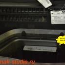 4 канальный видеорегистратор INTRO спрятан от посторонних глаз в бардачке