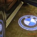 Лазерная проекция логотипа автомобиля БМВ