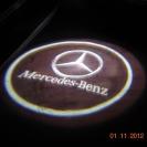 Лазерная проекция логотипа автомобиля на Mercedes–Benz GL-Class