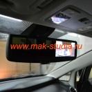 Видеорегистратор в зеркале заднего вида совершенно не мешает водителю.