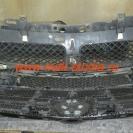 Защитная сетка радиатора установлена