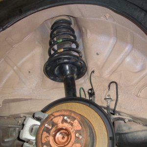 шумоизоляция колёсных арок,шумоизоляция подкрылков